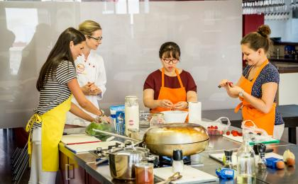 Cooking class and farmers market Prague