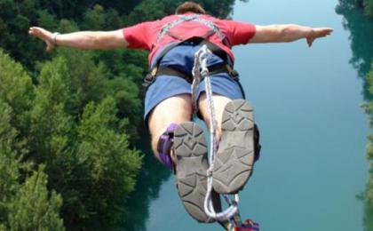 Bungee jumping from bridge
