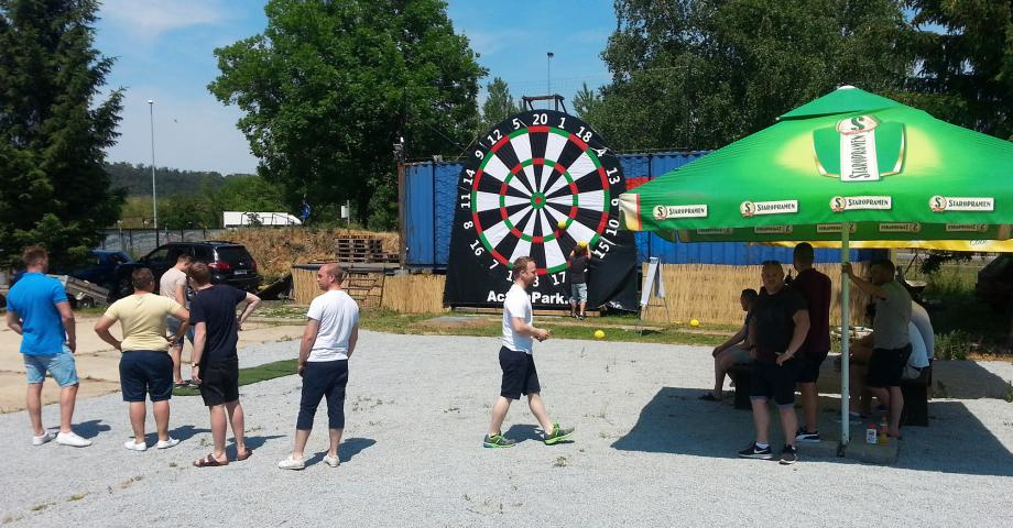 Foot darts in Prague - stag party