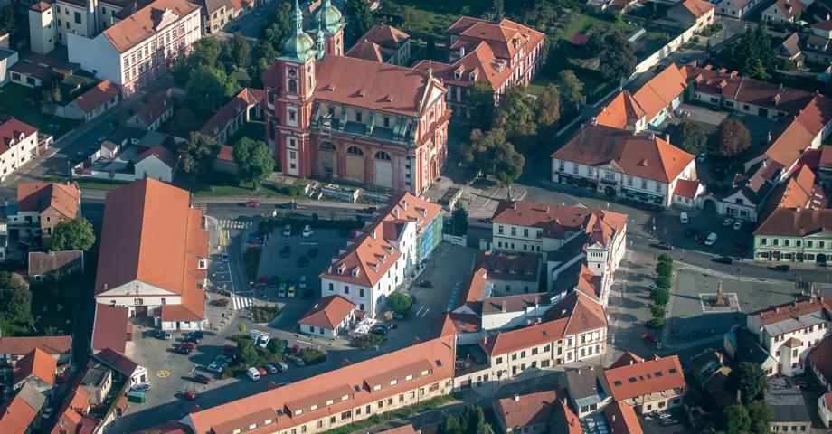Prague sightseeing scenic flight - Stara Boleslav