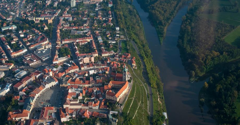 Prague sightseeing scenic flight - confluence of the Elbe and Vltava Rivers