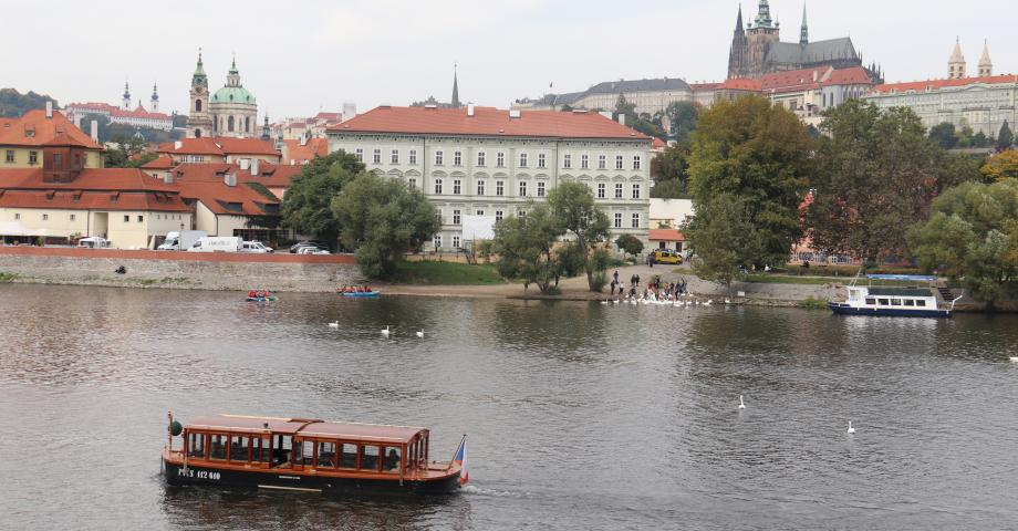 Family cruise on the Vltava river Prague - Prague Castle