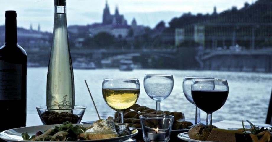 Jazz boat Prague - jazz & dine