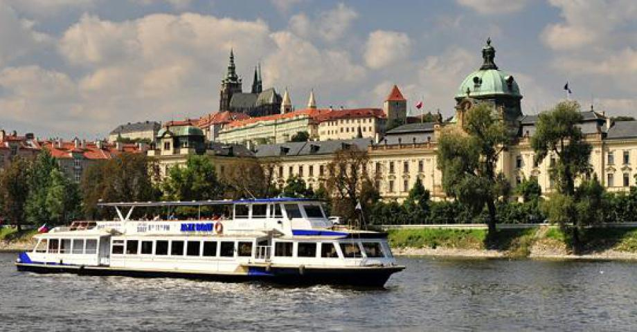 Jazz boat Prague