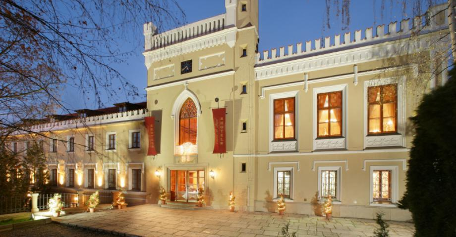 Luxury massage in a Prague chateau