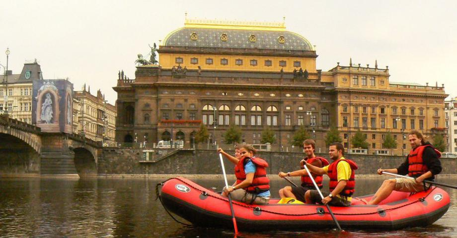 Fun rafting Prague